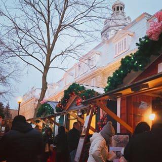 Magasiner le soir de Noël