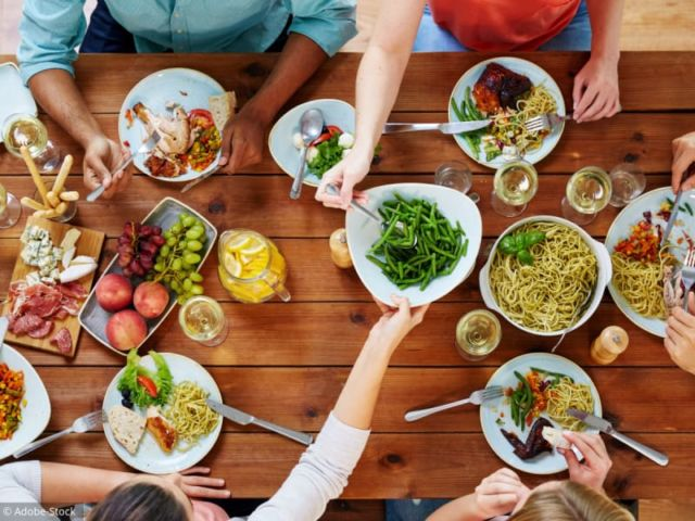 Eviter les excès de nourriture et d'alcool
