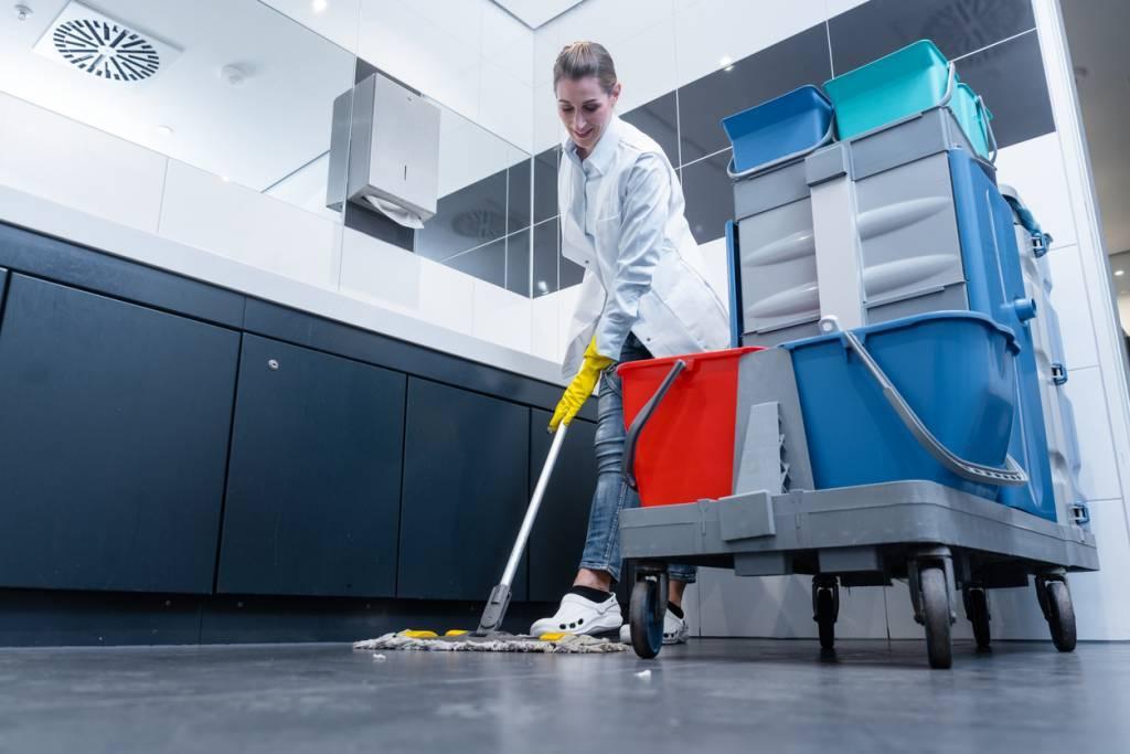 Les solutions pour trouver une aide ménagère